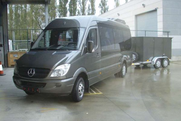sprinter-minibus-1BD5E378C-3ED8-5F57-4EA1-6CDE4C520961.jpg